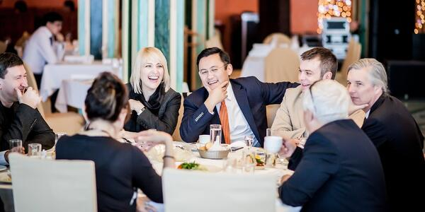 business-people-laughing_t20_jXlB7j-959532-edited